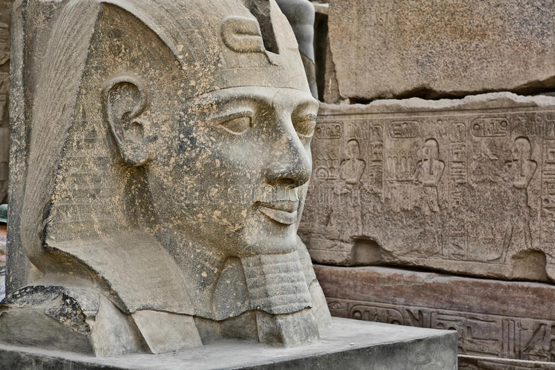 Hauptstatue von Ramses II lizenzfreies stockbild