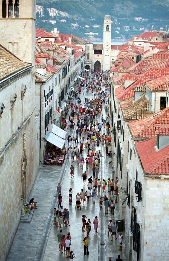 Hauptstraße in der alten Stadt von Dubrovnik stockbild
