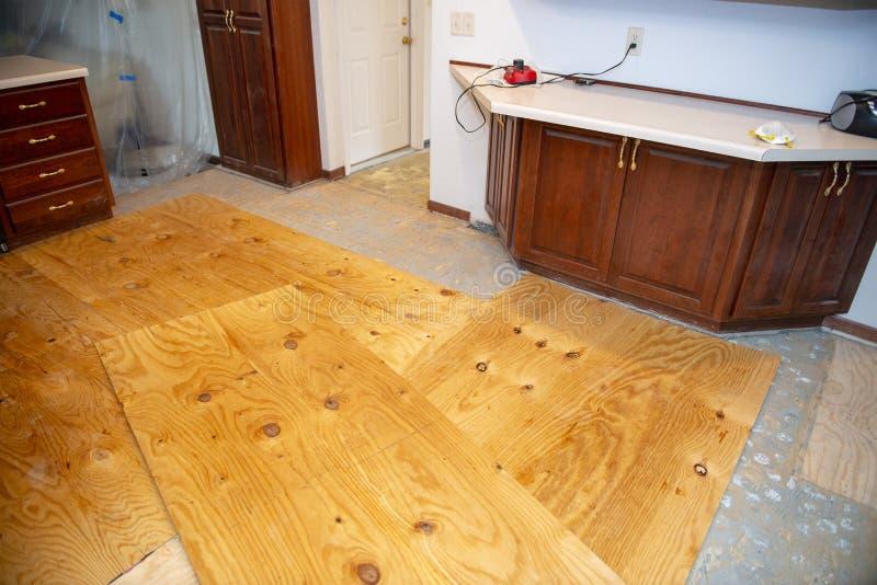 Hauptumgestaltung, Küchen-Boden, Bodenbelag lizenzfreie stockfotografie