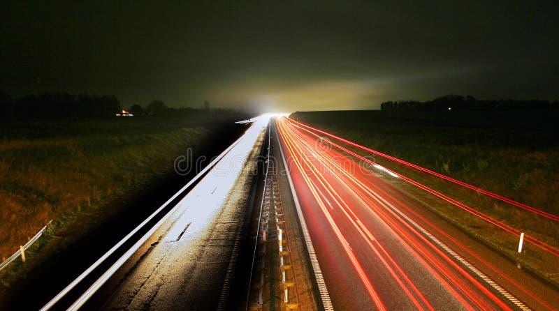 Hauptverkehrszeit Nachtverkehr lizenzfreies stockfoto