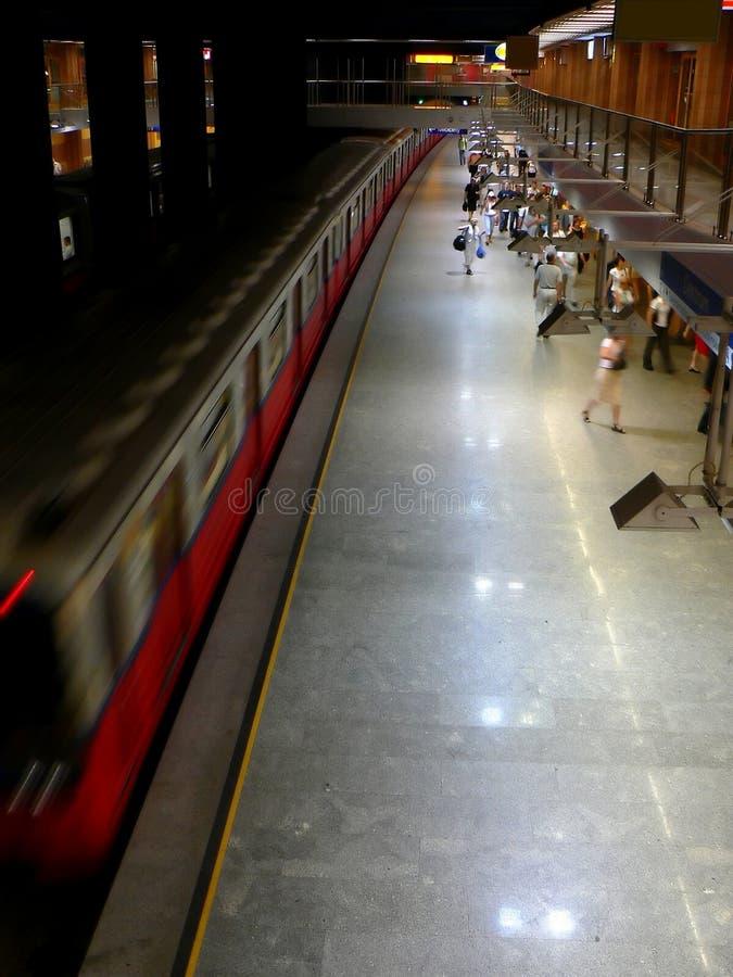 Hauptverkehrszeituntergrundbahn stockfotografie