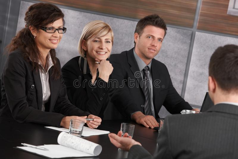 Hauptversammlung im Büro lizenzfreies stockbild