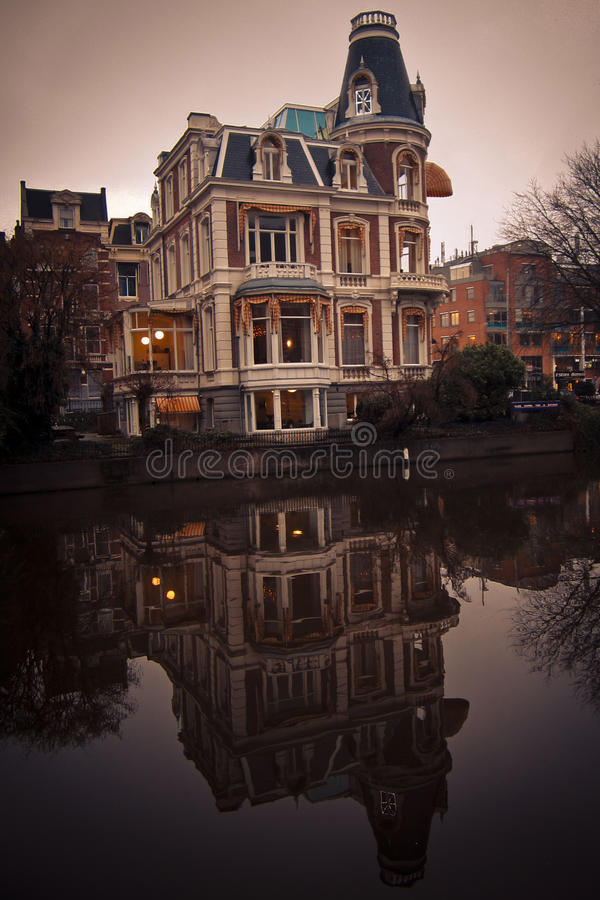 Haus in Amsterdam lizenzfreies stockbild