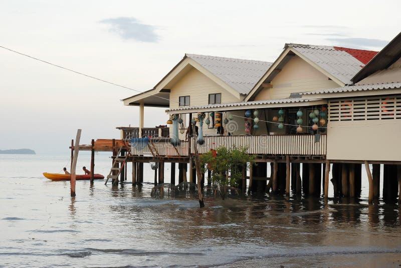 Download Haus Auf Stelzen Stockbild. Bild Von Tropisch, Boot, Meer    14120555