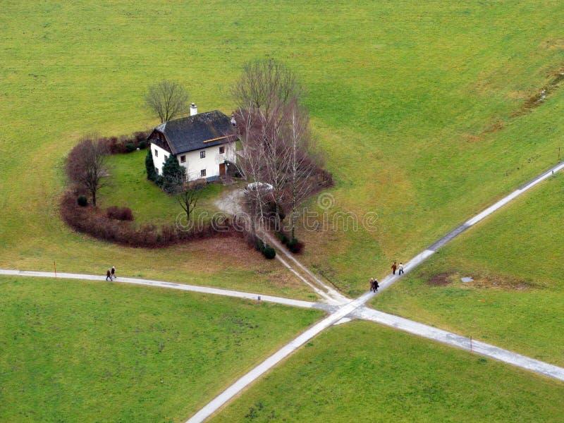 Haus an den Kreuzungen stockbild
