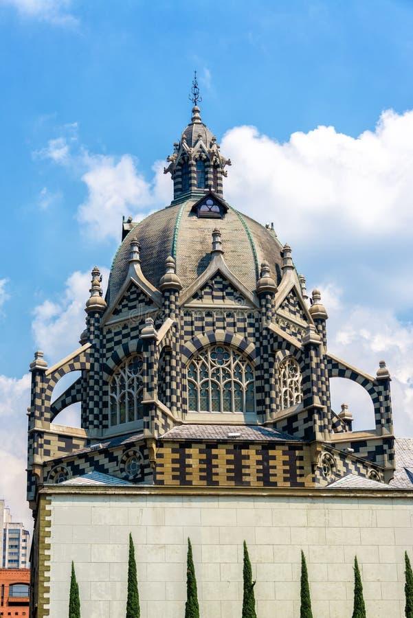 Haus der Kultur in Medellin lizenzfreies stockbild