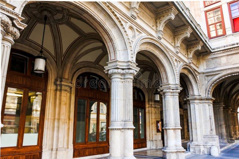 Haus der Wiener Staatsoper lizenzfreies stockbild