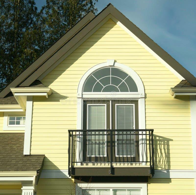 Haus-Detail-Gelb-Abstellgleis lizenzfreies stockfoto