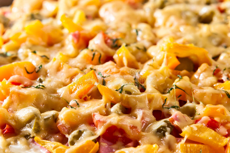 Haus gebackene Pizza lizenzfreies stockbild