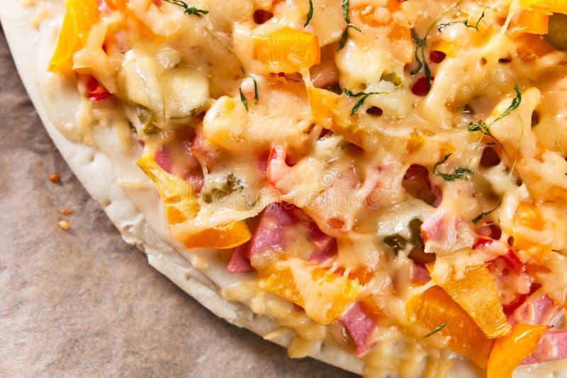 Haus gebackene Pizza lizenzfreie stockfotos
