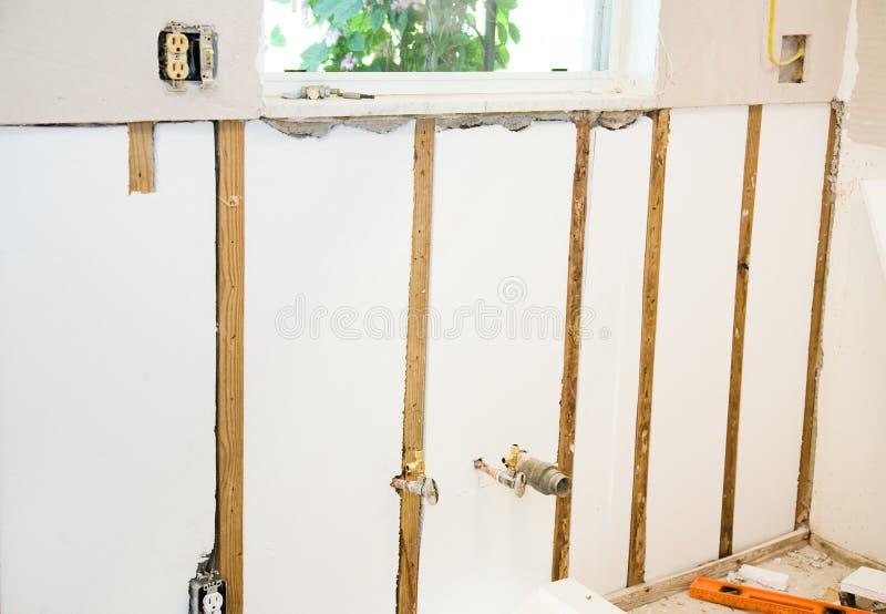 Haus gestalten - Isolierwände um stockbilder
