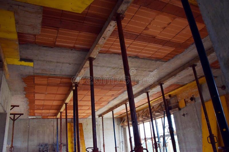 Haus im Bau, Decke, in Italien, Baustelle, sichere tecniques lizenzfreies stockfoto