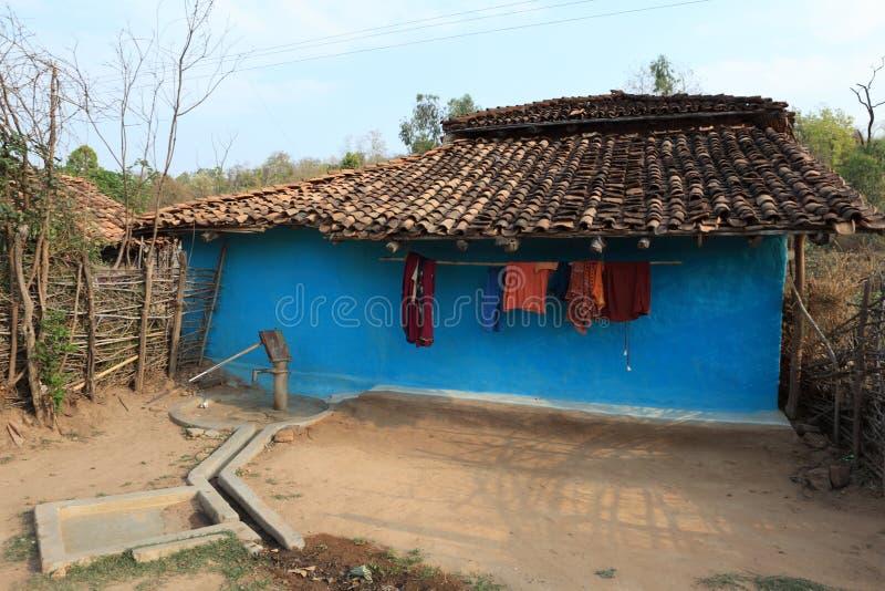 Haus und Dorf in Indien stockfotografie