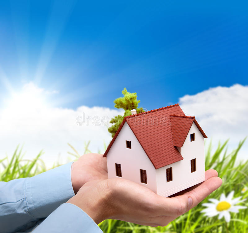 Haus und Natur lizenzfreie stockbilder