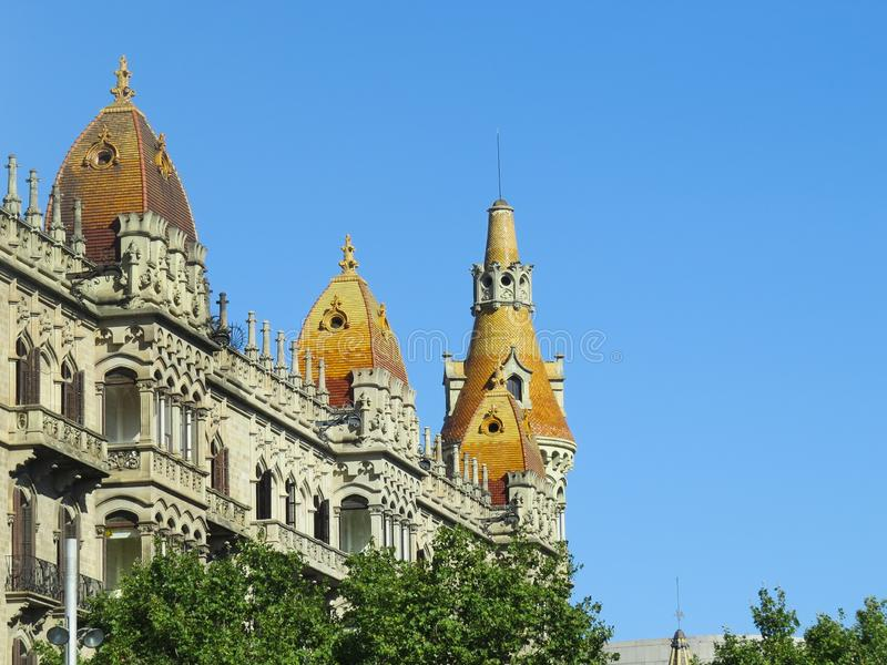 Haus von Leo Morera, die Arbeit des ber?hmten katalanischen Architekten Antonio Gaudi Die Kombination der modernen und arabischen stockfotos