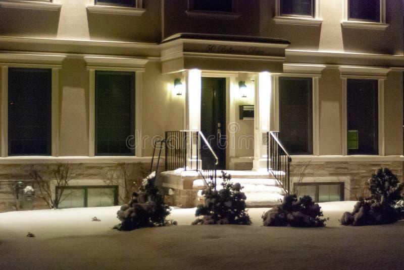 Hausausstattung zur Winterzeit lizenzfreies stockfoto