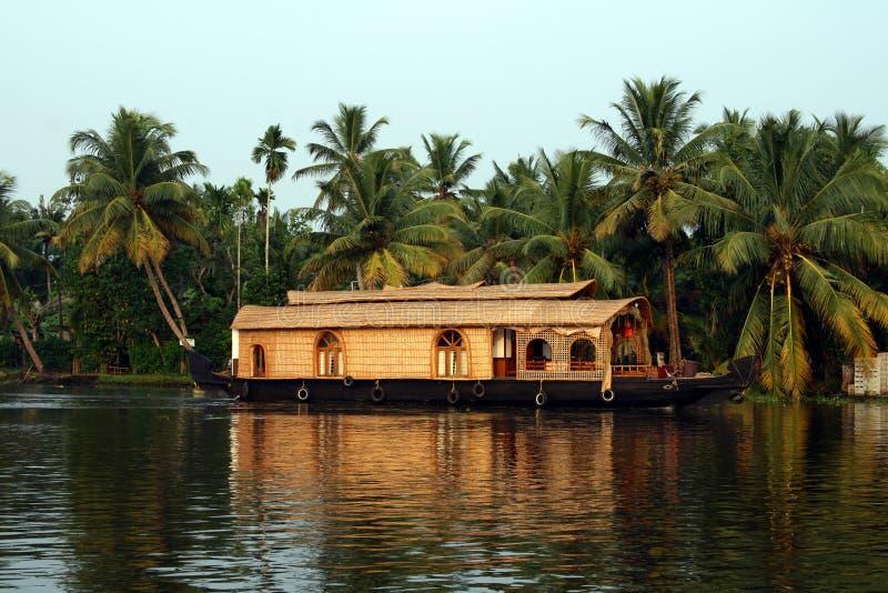 Hausboot auf Kerala-Stauwassern, Indien lizenzfreies stockbild