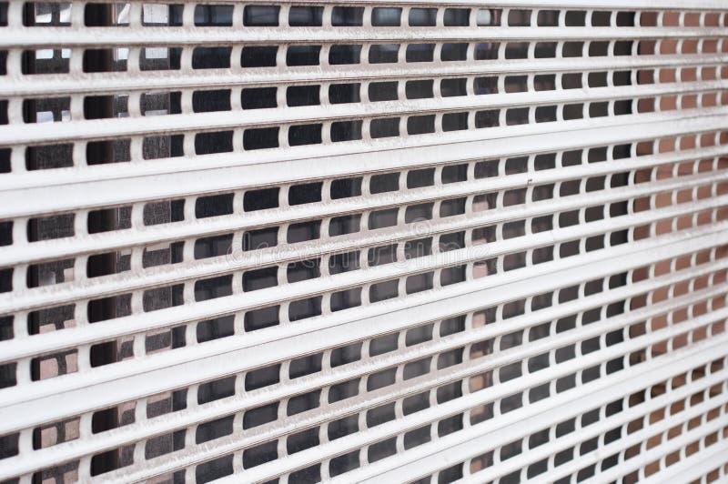 Hausfenster-Fensterladensicherheitsbarriere lizenzfreie stockfotografie