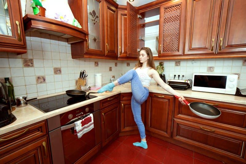 Hausfrau und Sport lizenzfreie stockfotos