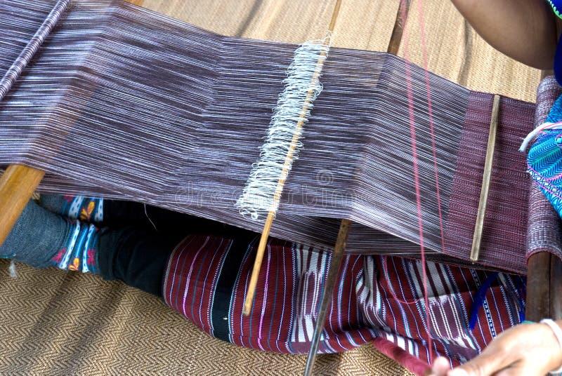 Download Hausfrauwebart-Baumwolltuch In Thailand Stockfoto - Bild von hand, ethnicity: 27732174