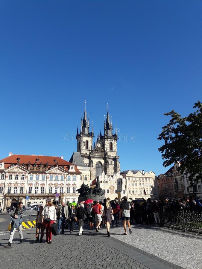 Hauskathedralenkirche des Tourismus Prag-Kathedrale Hauptstadt der gotischen gesetzte tschechische im heißen Sommer in Mitteleuro stockbild