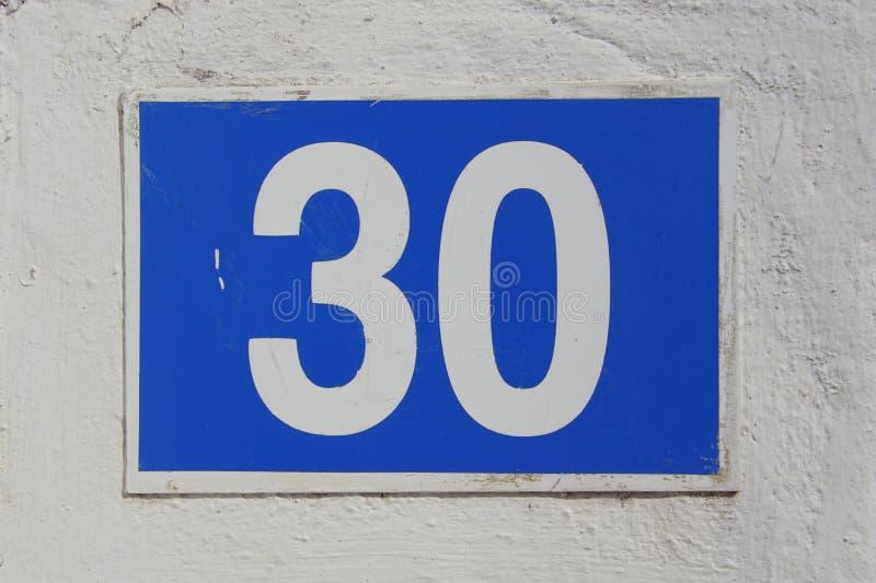 Hausnummer dreißig - 30 lizenzfreie stockbilder