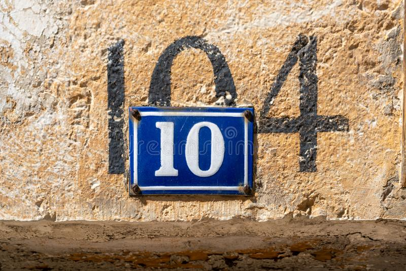 Hausnummer 10 lizenzfreie stockfotos