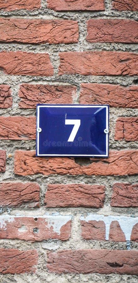 Hausnummer siebenunddreißig 7 lizenzfreie stockfotografie