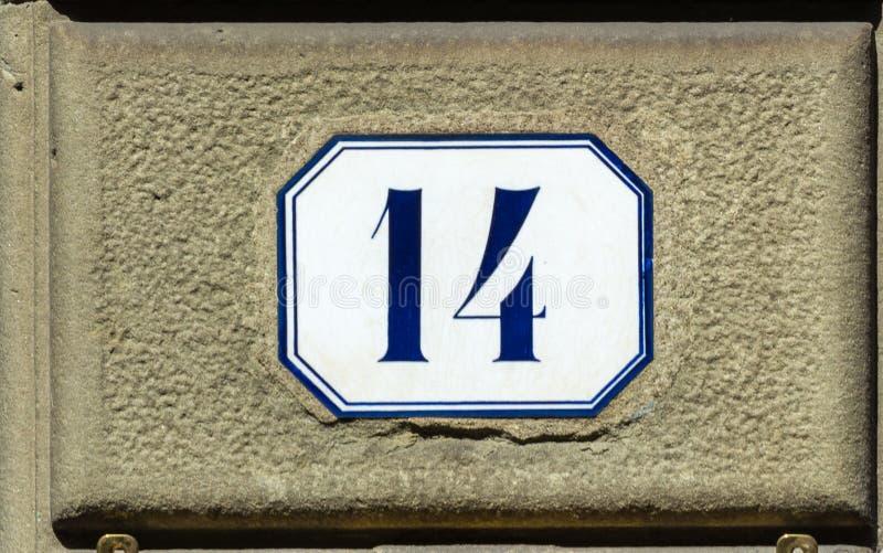 Hausnummer vierzehn 14 stockfotografie