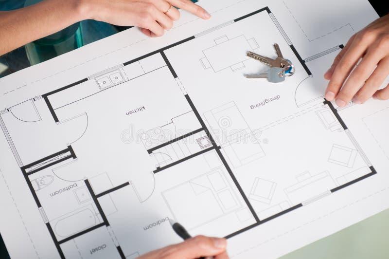 Hausplan mit Tasten lizenzfreie stockbilder