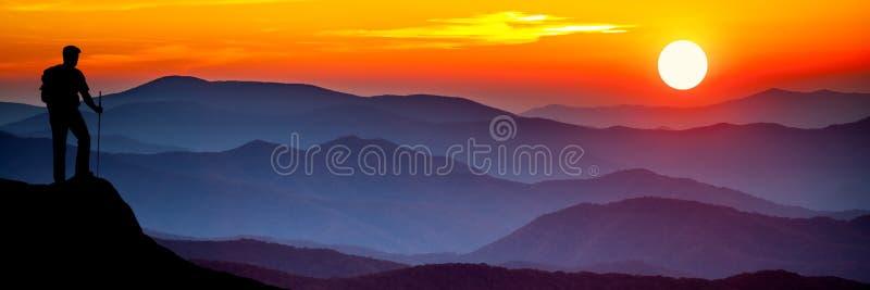 Hausse dans les montagnes image libre de droits