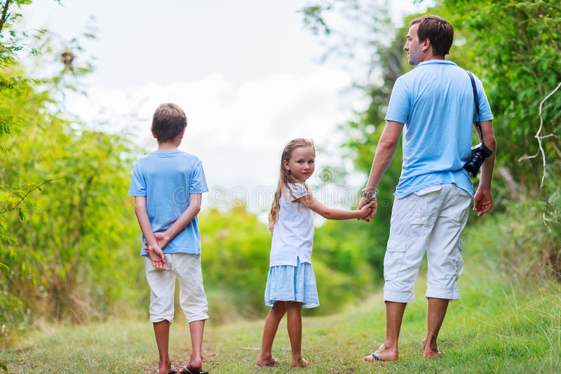 Hausse de famille image libre de droits