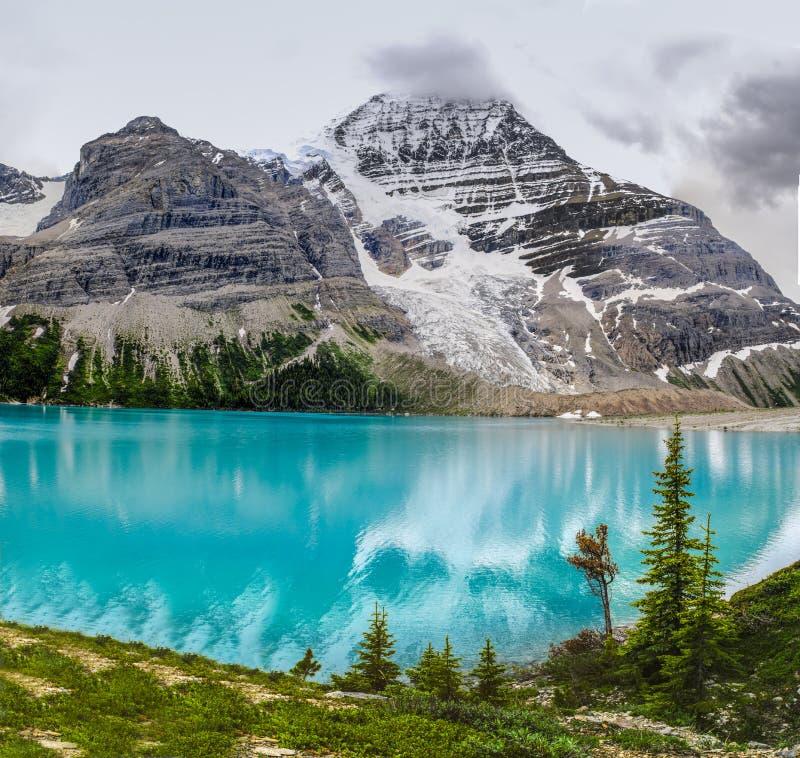 Hausse de la traînée de lac berg images libres de droits