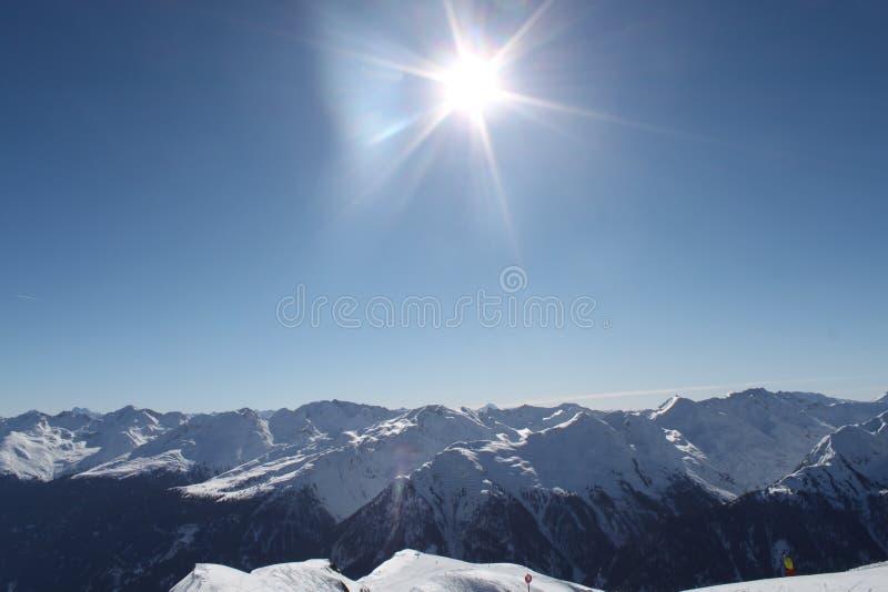 Hausse du chemin dans les alpes juliennes image stock