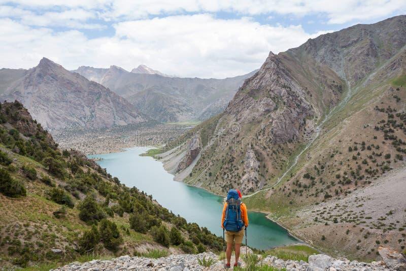 Hausse en montagnes de Fann photos stock