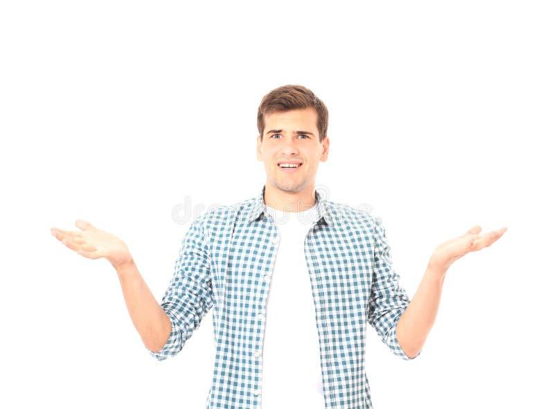 Haussements d'épaules d'homme d'isolement sur le blanc T-shirt de plaid et espace de copie Voir les mes autres travaux dans le po photos stock