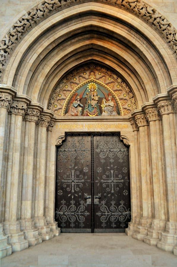 Haustür von Kirche St. Mattias lizenzfreies stockbild