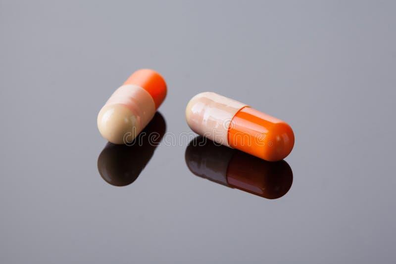 Haut étroit de capsules de médecine photos libres de droits