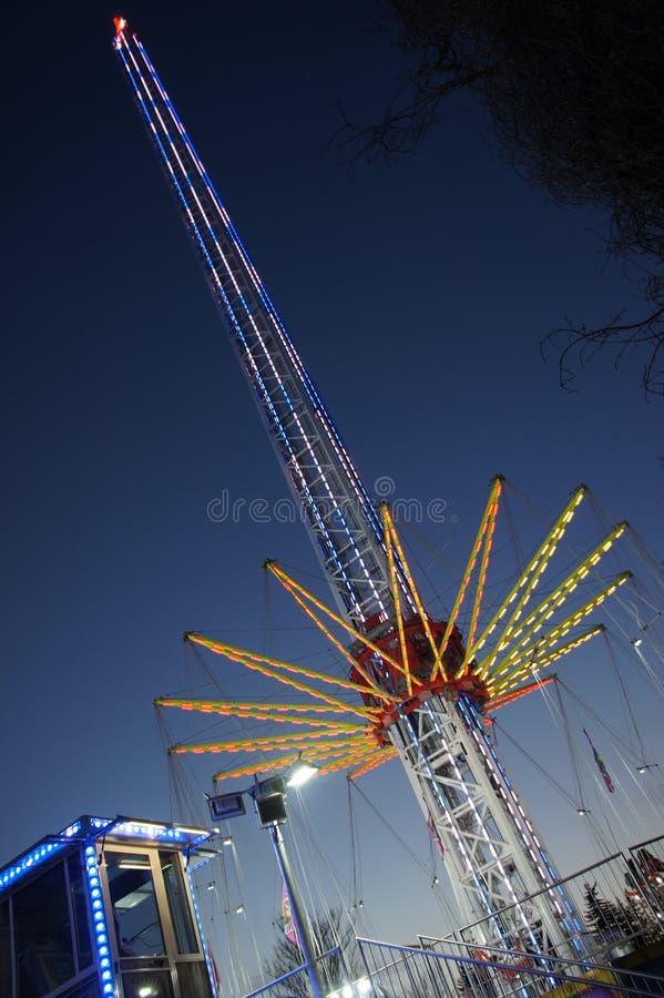 Haut carrousel moderne dans St Matthews Fair à Prague photo libre de droits