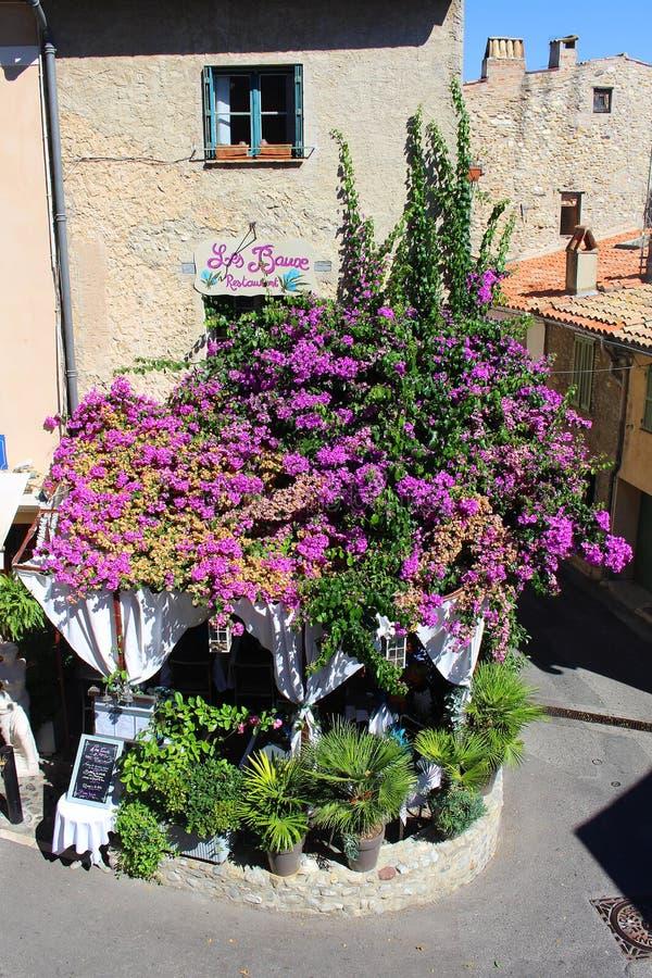 Haut De Cagnes blisko ładnego w południe Francja zdjęcia royalty free
