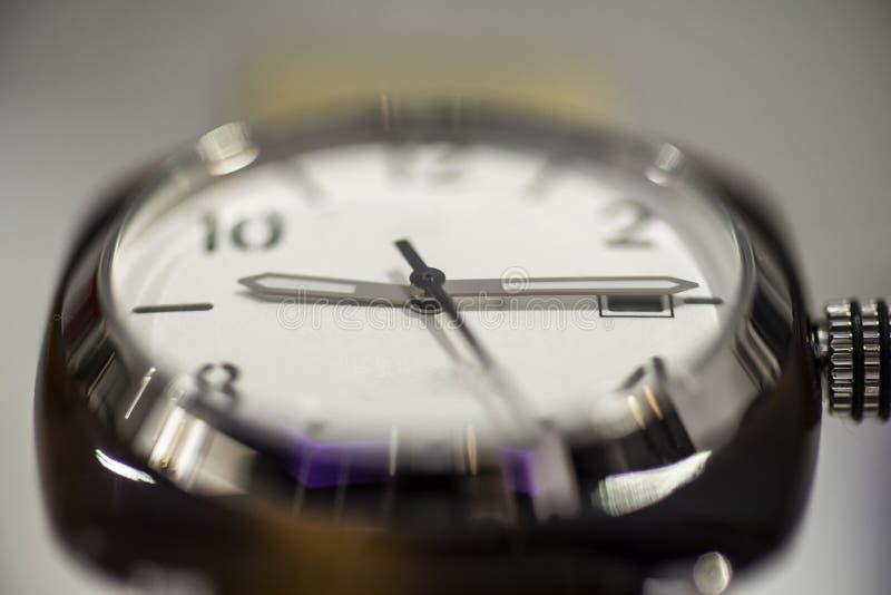 Haut proche de montre photographie stock