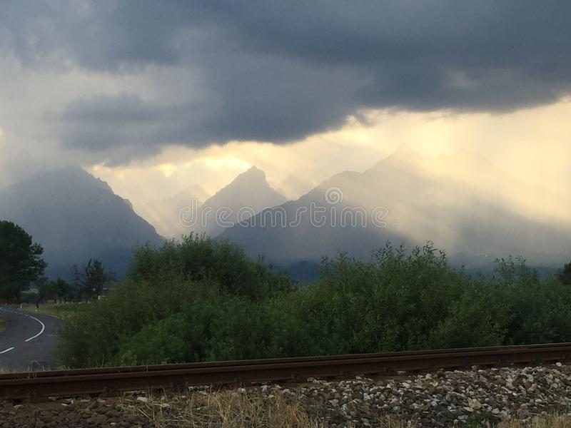 Haut Tatras dans le coucher du soleil images libres de droits