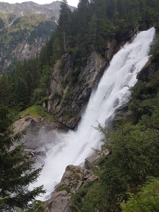 Haute cascade de Krimml d'Autrichien entrant dans l'intensité surnaturelle photographie stock