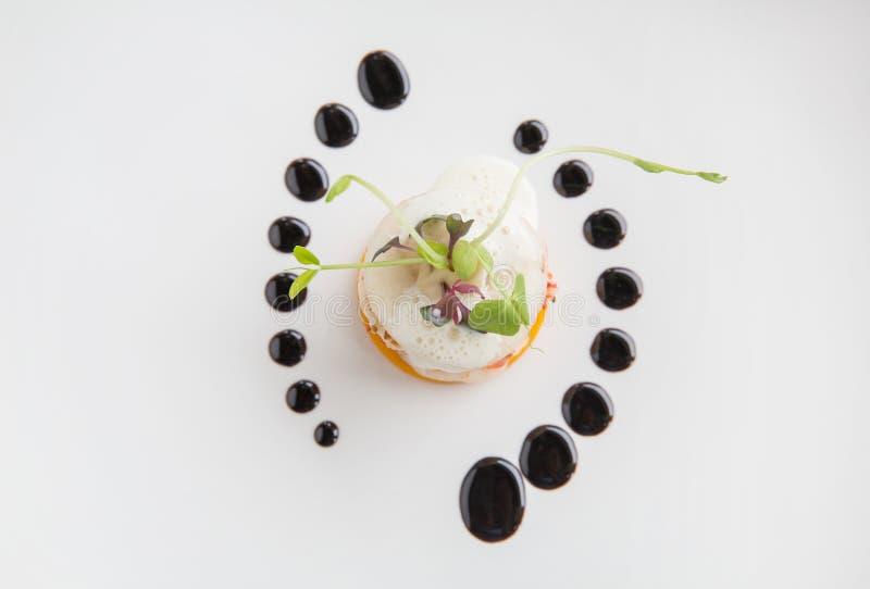 Haute ekskluzywny kuchni zakąski wyśmienita garnela, bonkreta, bania w zdjęcie stock