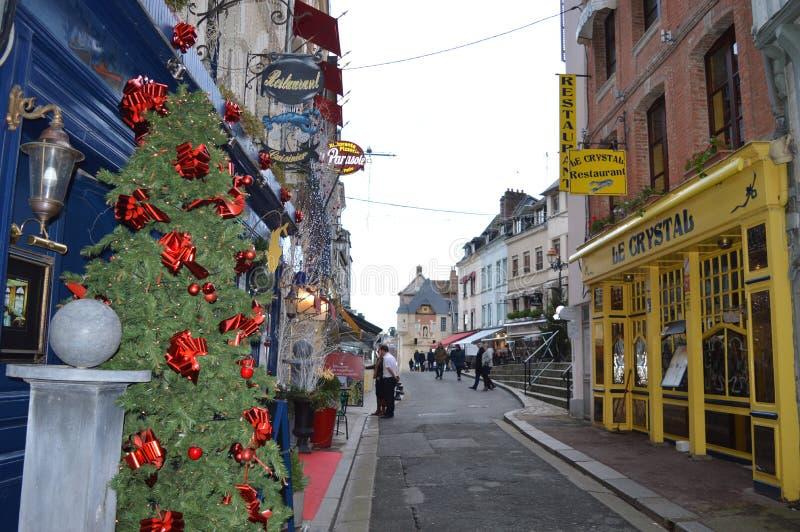 Haute gata, Rue Haute, i Honfleur, Frankrike arkivfoto