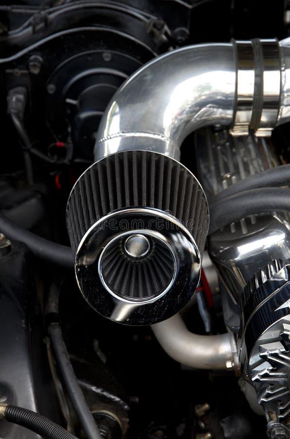 Haute performance Turbo passé au bichromate de potasse et filtre à air sur une automobile faite sur commande image stock