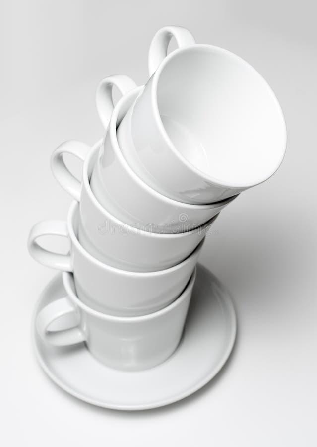 Haute pile de vaisselle de coffeecup image stock