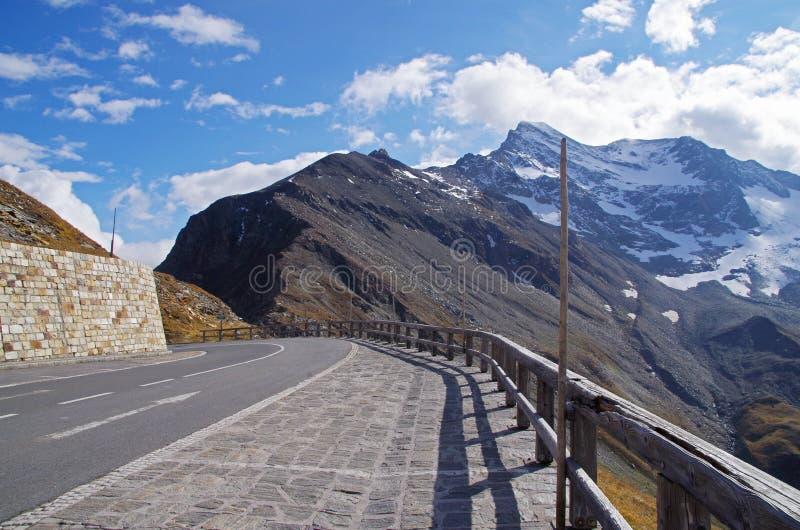 Download Haute Route Alpestre De Grossglockner Photo stock - Image du montagne, normal: 45371988