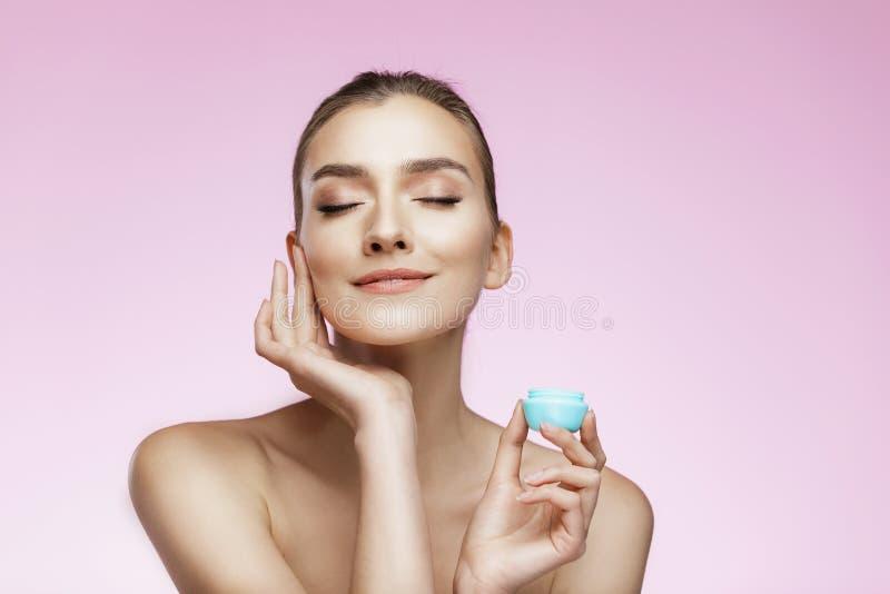 Hautpflege- und Schönheitskonzept lizenzfreies stockbild