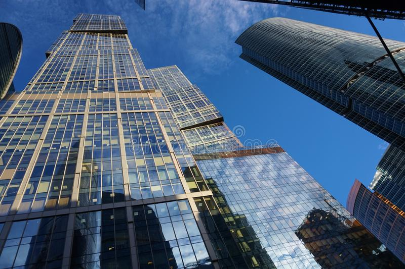 Hauts bâtiments au centre d'affaires de ville de Moscou images stock